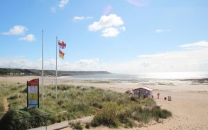 port eynon holiday cottages - nearby beach